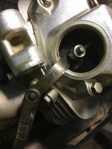 Регулировка впускного клапана двигателя мотоцикла